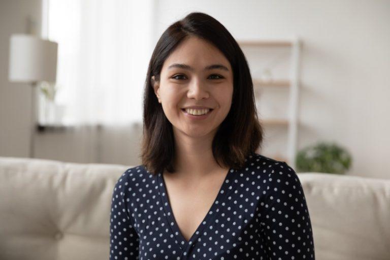 Professionelles Dating-Profil Porträtfoto einer Frau