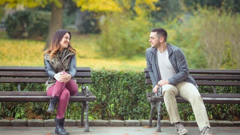 erste Begegnung zwischen einem Mann und einer Frau