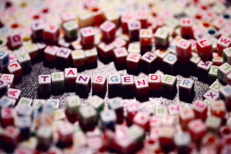 """Buchstabenwürfel mit der Aufschrift """"Transgender"""""""